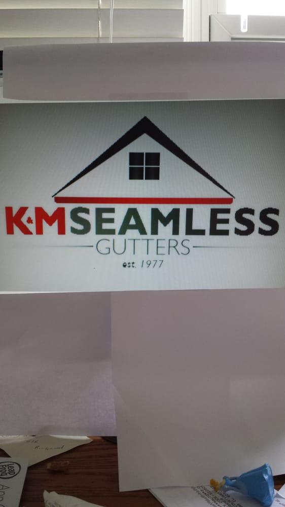 K & M Seamless Gutters: Aurora, IL