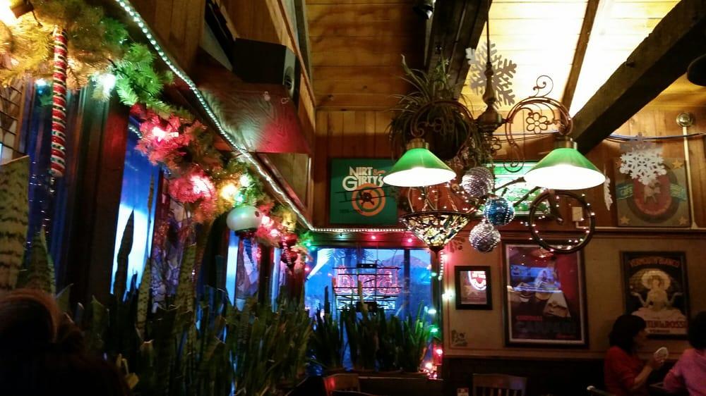 Harry's Uptown Bar & Grill: 3023 E Douglas Ave, Wichita, KS