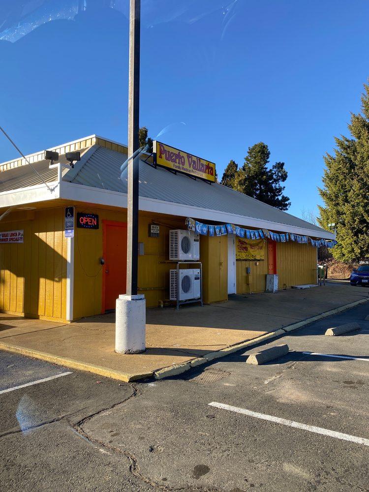 Puerto Vallarta Family Mexican Restaurant: 112 Morgan Way, Mount Shasta, CA