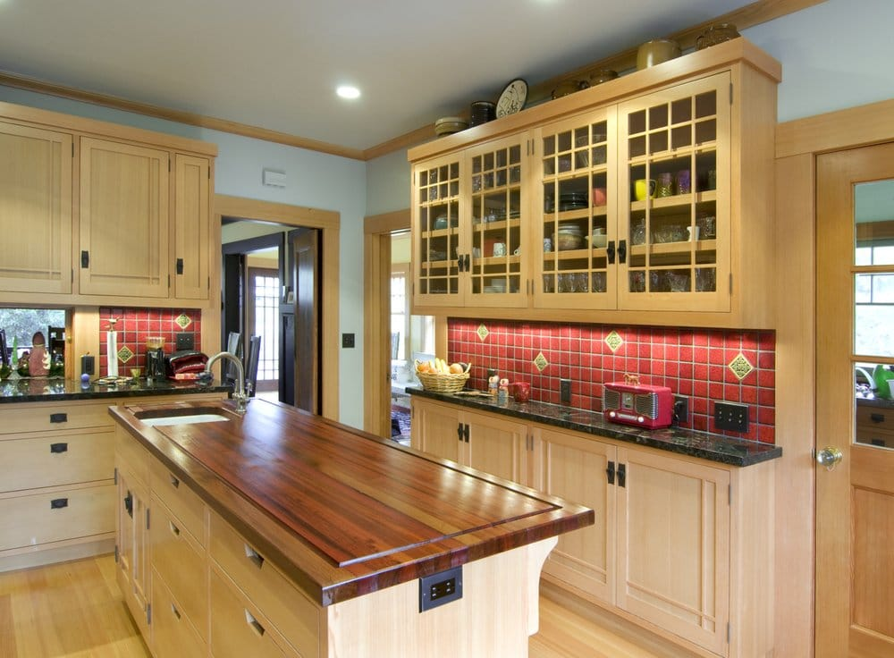 kitchen cabinets moulding craftsman kitchen cabinets for an in depth look at this 20833
