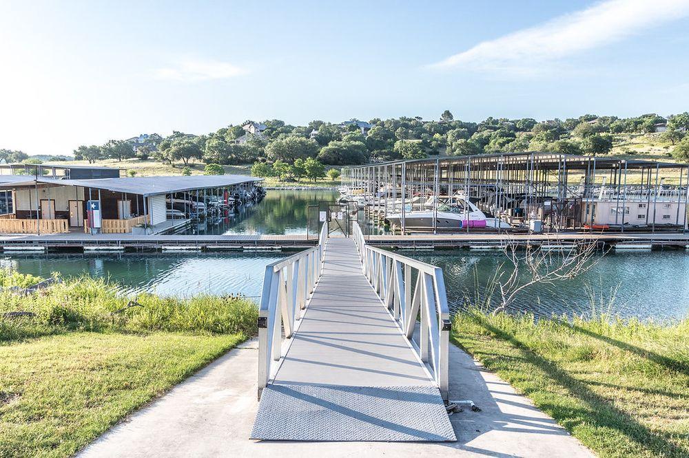 Cranes Mill Marina: 16440 Cranes Mill Rd, Canyon Lake, TX