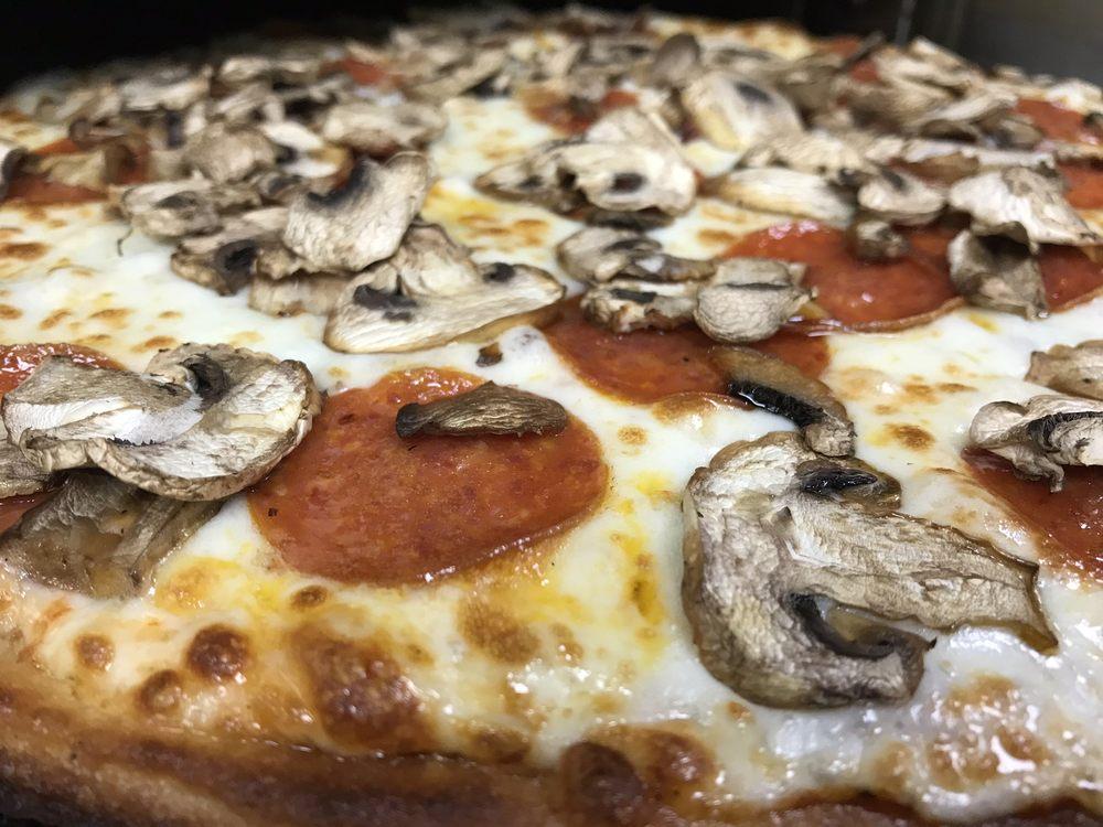 Ameci Pizza & Pasta - Fillmore: 151 W Ventura St, Fillmore, CA