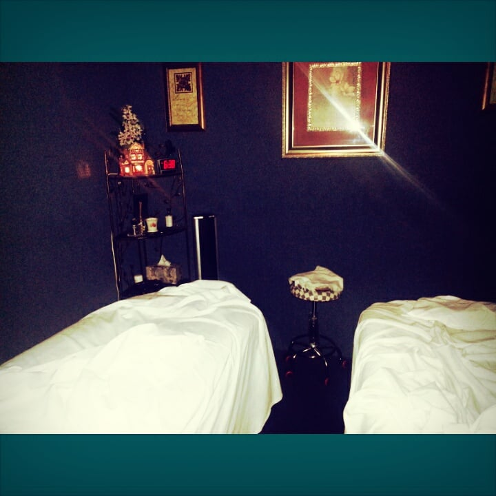 Photo of Wellbeing Moments Massage Therapy Relaxation Shop: Canoga Park, CA