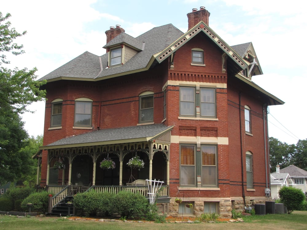 Photo of Squiers Manor Bed & Breakfast: Maquoketa, IA
