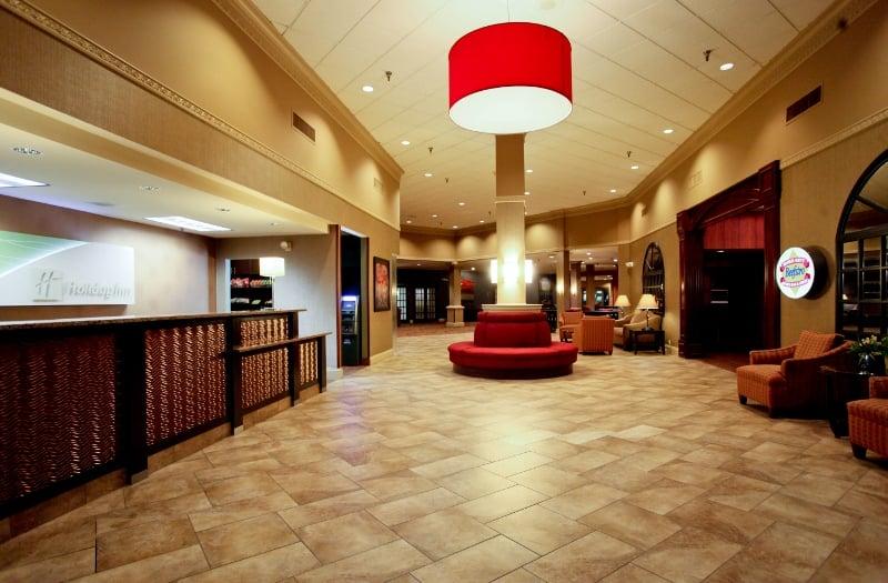 Holiday Inn Dubuque/Galena: 450 Main St, Dubuque, IA