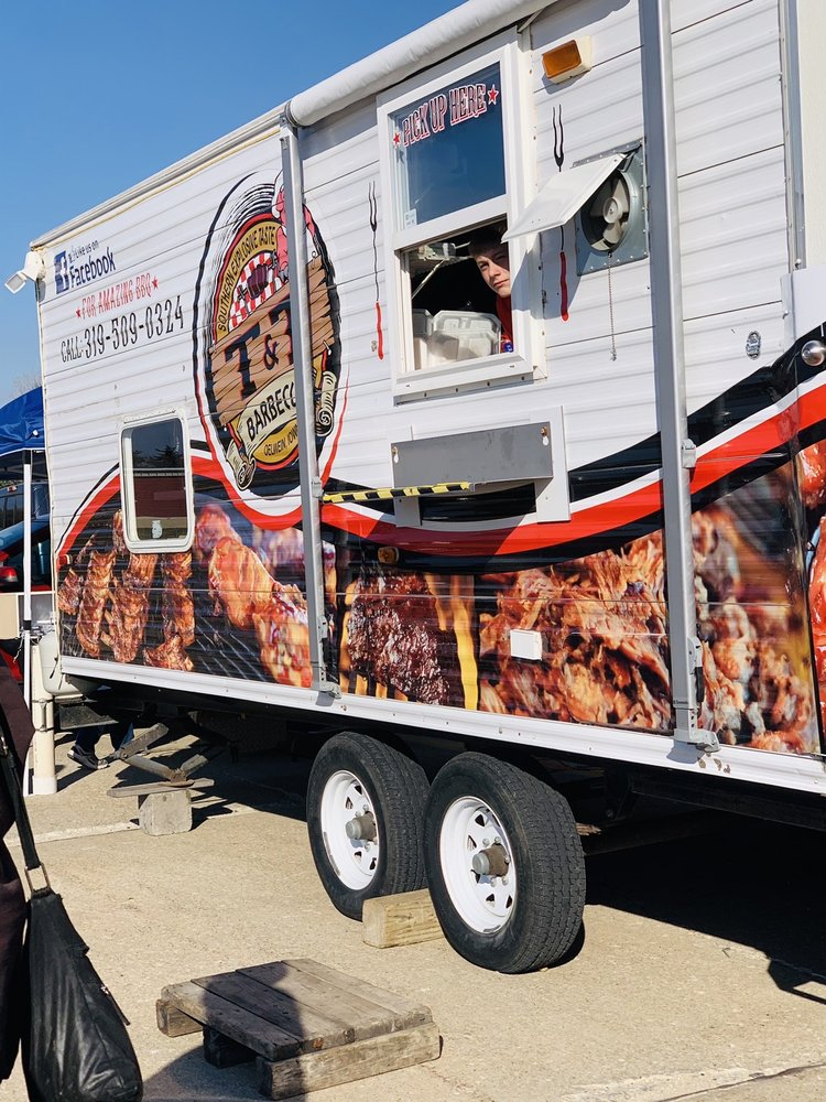 T & T BBQ And Catering: 719 N Frederick Ave, Oelwein, IA