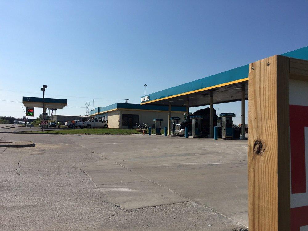 Truck Stop Info Plus: Western Ky Pkwy Exit 76, Beaver Dam, KY