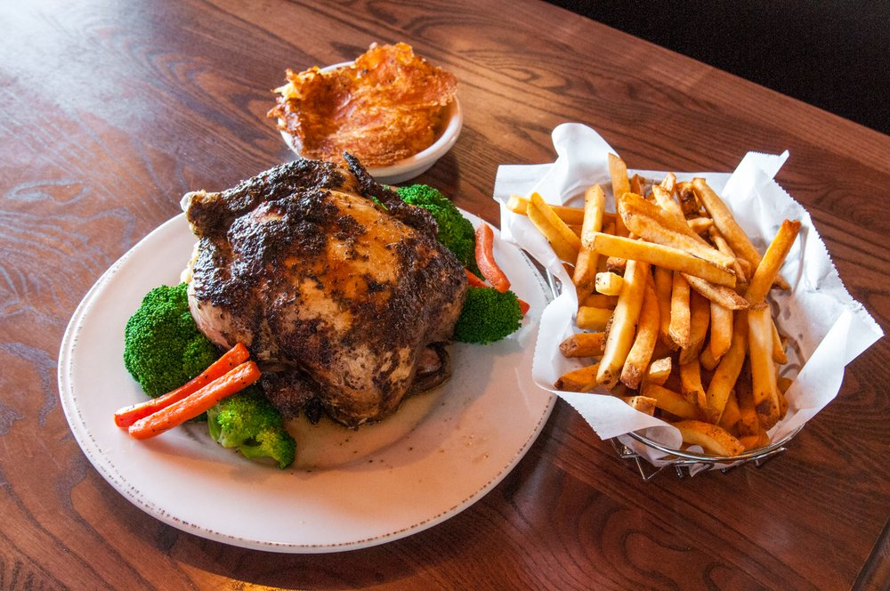 Grizzly's Wood-Fired Grill: 4890 Golf Rd, Eau Claire, WI