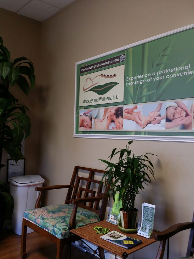 Massage & Wellness Spa: 118 W Bay Dr, Largo, FL