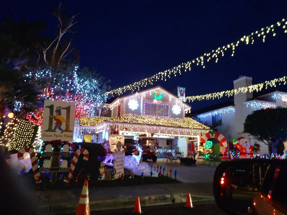 santa clarita neighborhood christmas light displays 20 photos local flavor wakefield ct santa clarita ca yelp