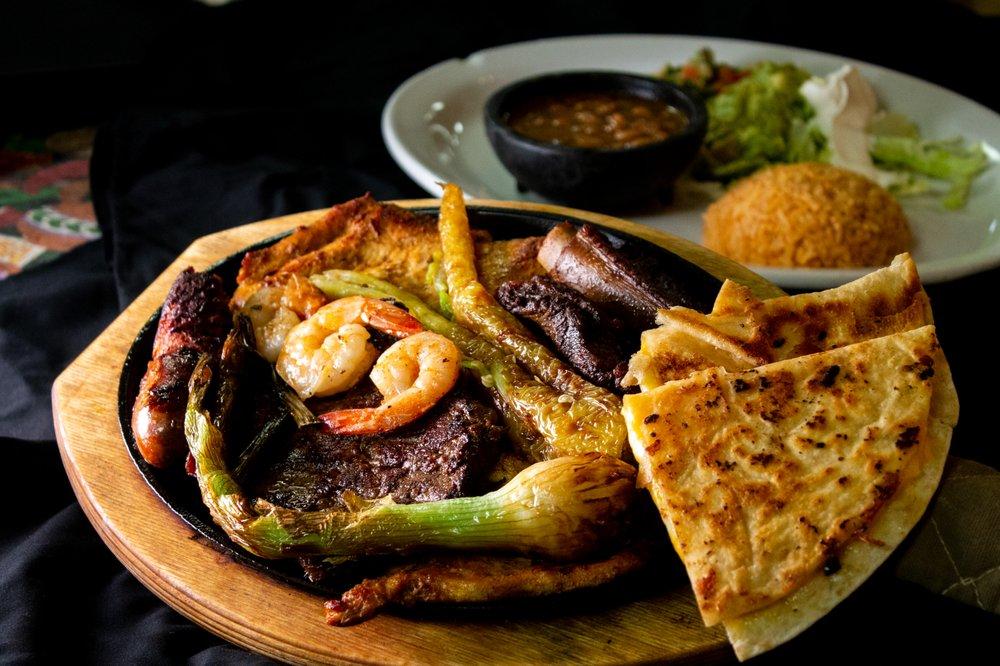Chavas Mexican Restaurant: 710 S 32nd St, Muskogee, OK