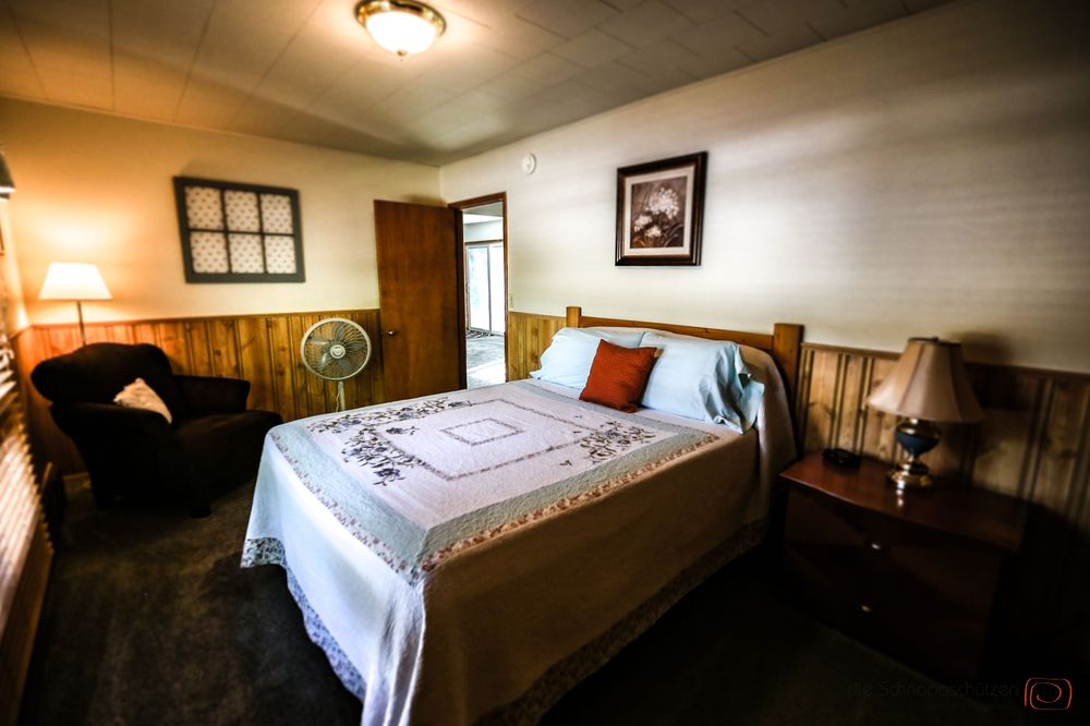 The Pines Country Inn: 248 E Wentworth St, Newcastle, WY