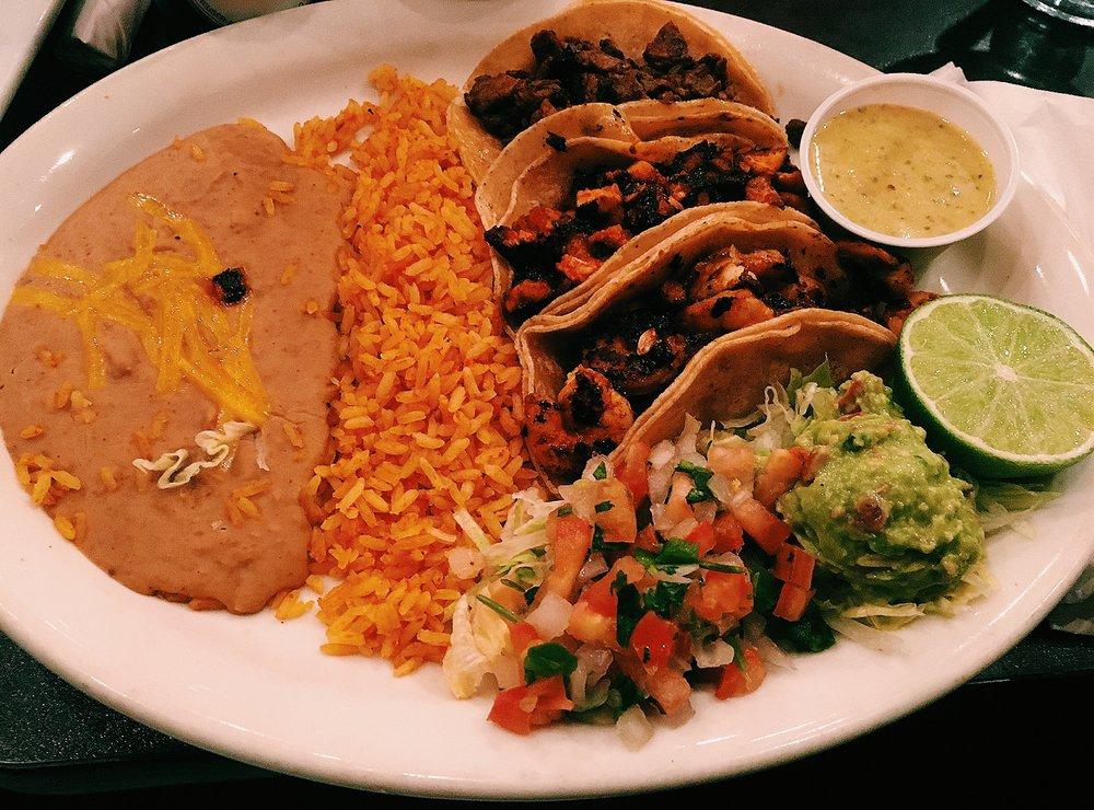 Dos Chiles Grandes: 1703 Chico Hwy, Bridgeport, TX