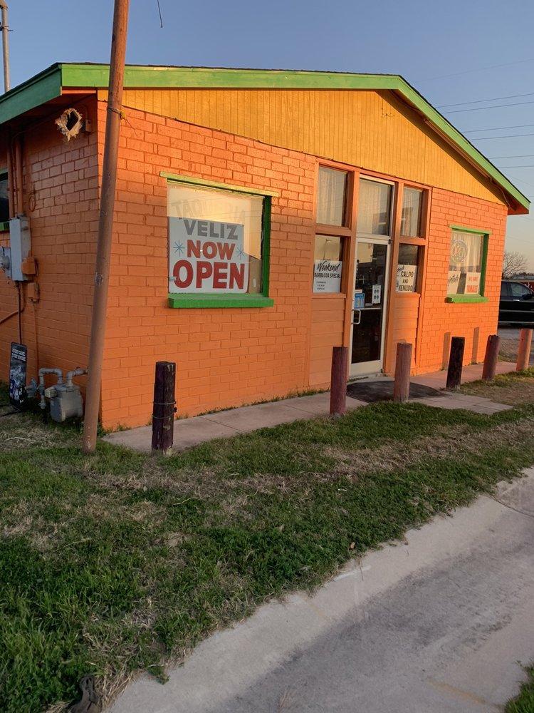 Taqueria Veliz: 1601 Standish St, Floresville, TX
