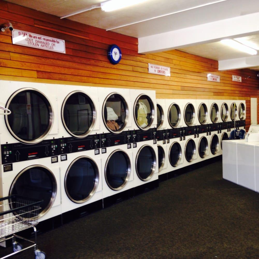 Maytag Laundry Center: 904 N Charlotte St, Pottstown, PA