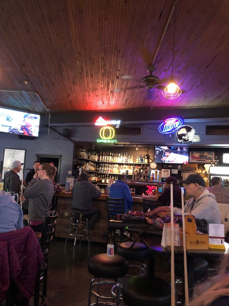 The River Road House: 11921 SE 22nd Ave, Portland, OR