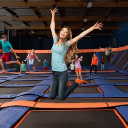 sky zone trampoline park trampoline parks 333 ontario. Black Bedroom Furniture Sets. Home Design Ideas