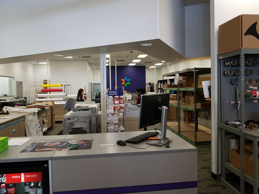 FedEx Office Print & Ship Center: 8365 Leesburg Pike, Vienna, VA