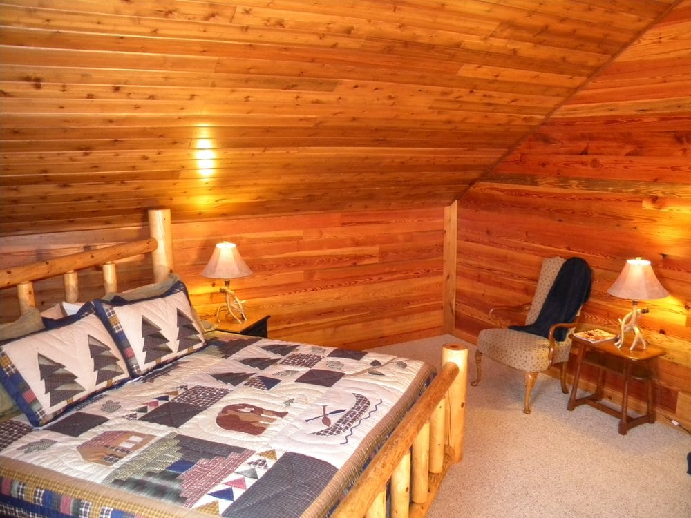 Lodge at Mark Twain Lake: 20884 Monroe County Rd 479, Stoutsville, MO