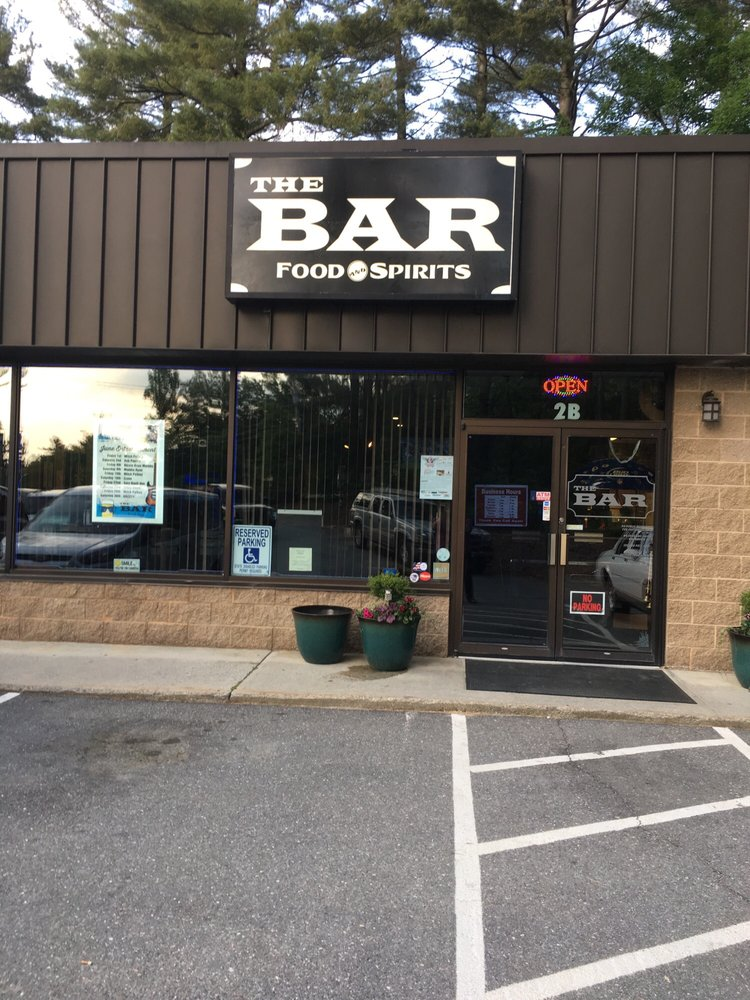 The Bar Food & Spirits: 2B Burnham Rd, Hudson, NH