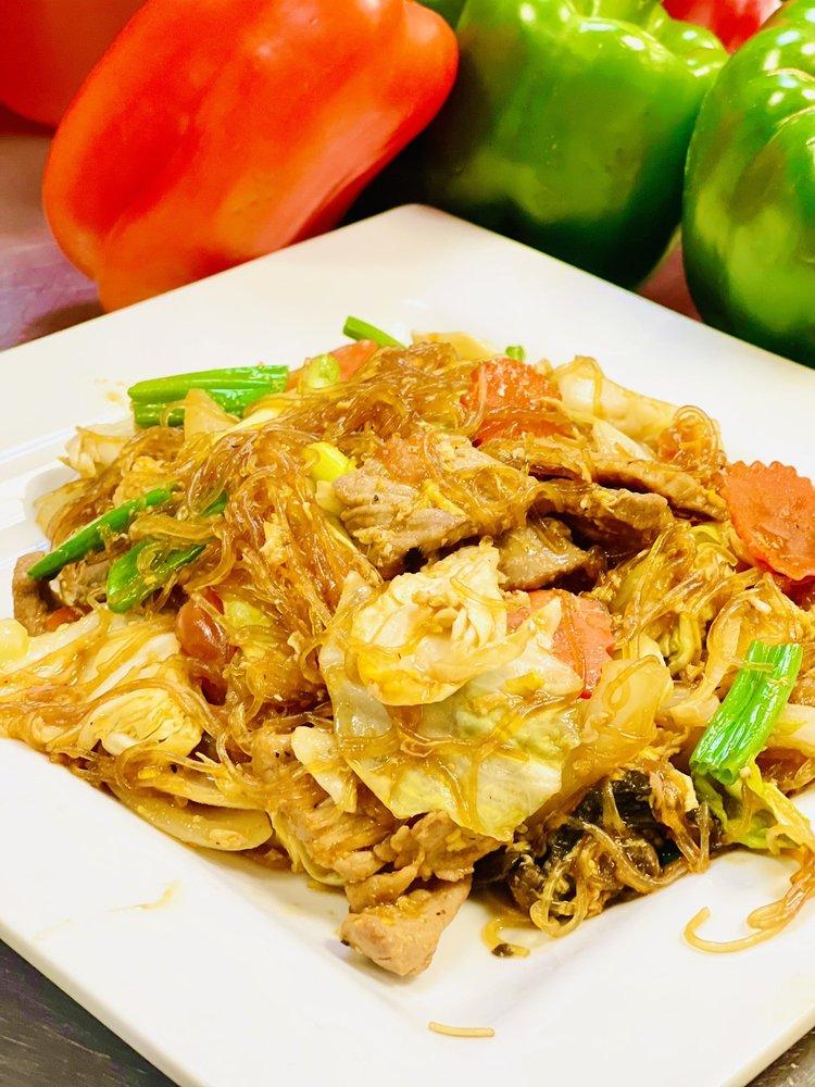 Food from Lemongrass Thai Cuisine