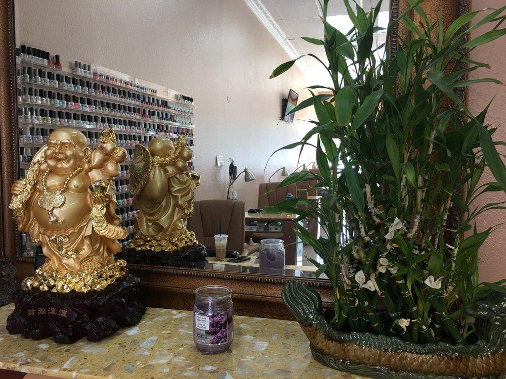 Diane Nails and Spa: 4261 Truxel Rd, Sacramento, CA