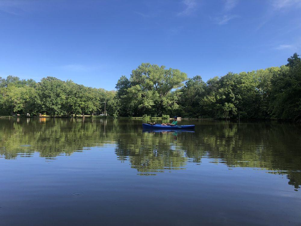 4 Mile Creek Resort  RV Park and Campground: 13218 SW Tawakoni Rd, Augusta, KS