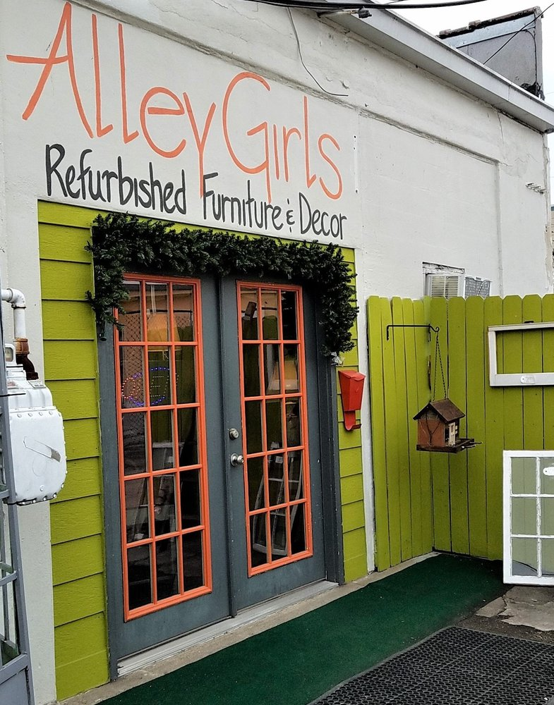 Alley Girls