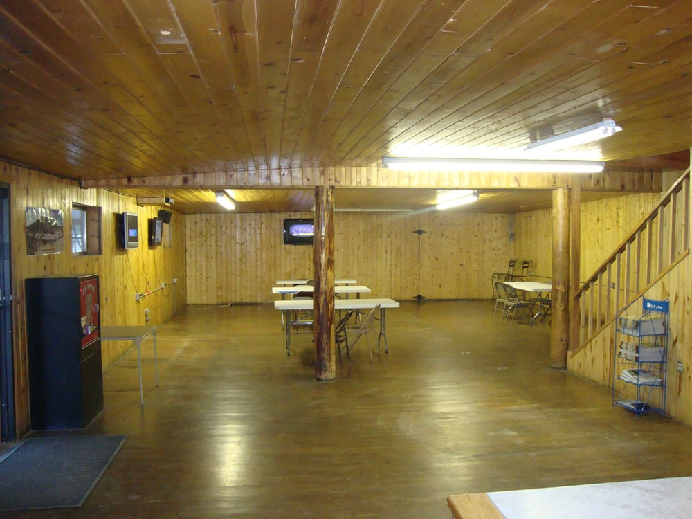 Black Mountain Playhouse & Lodge: 305 Pioneer Rd, Red River, NM
