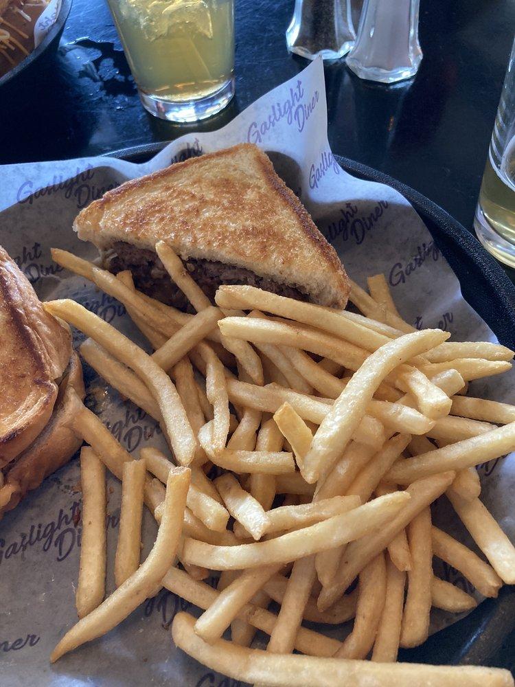 Gaslight Diner: 10509 Watterson Trl, Louisville, KY