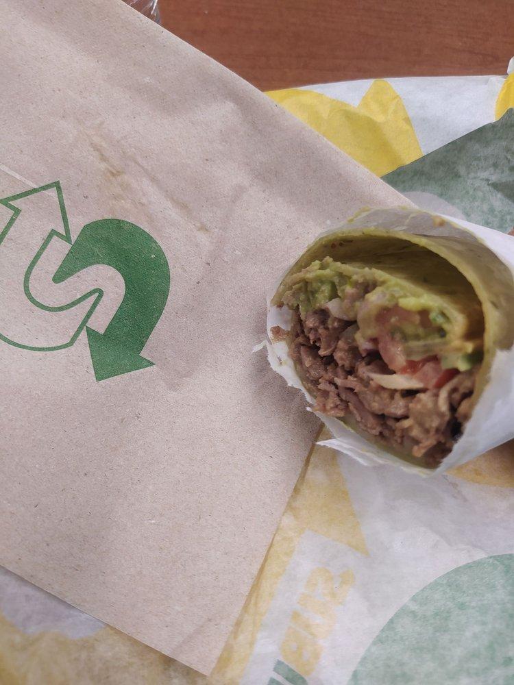 Subway Restaurants: 102 W Octagon Street, Clovis, NM