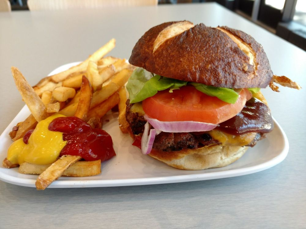 OSU Cascades Dining Center: 1500 SW Chandler Ave, Bend, OR