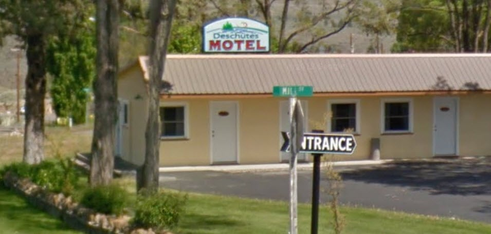 Deschutes Motel: 616 Mill St, Maupin, OR