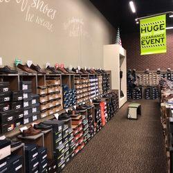 2680c02ef008 DSW Designer Shoe Warehouse - 19 Photos   15 Reviews - Shoe Stores - 15600  East Briarwood Cir