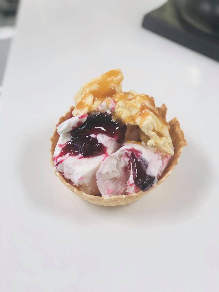 La Dolce Vita Gelato & Pastry: 6146 SW Hwy 200, Ocala, FL