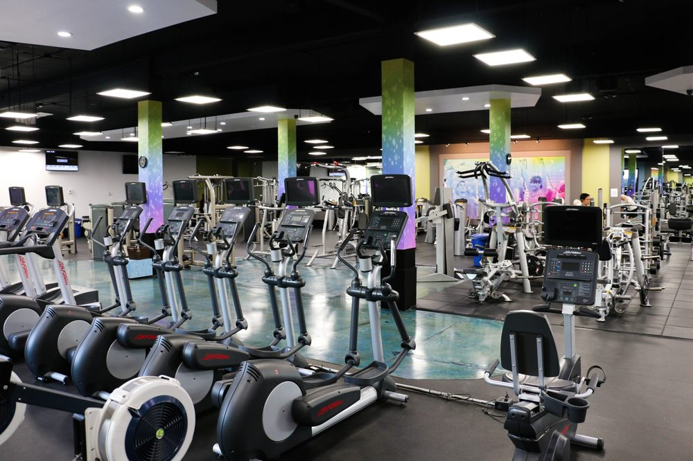 USA Fitness - Sylmar Club 180