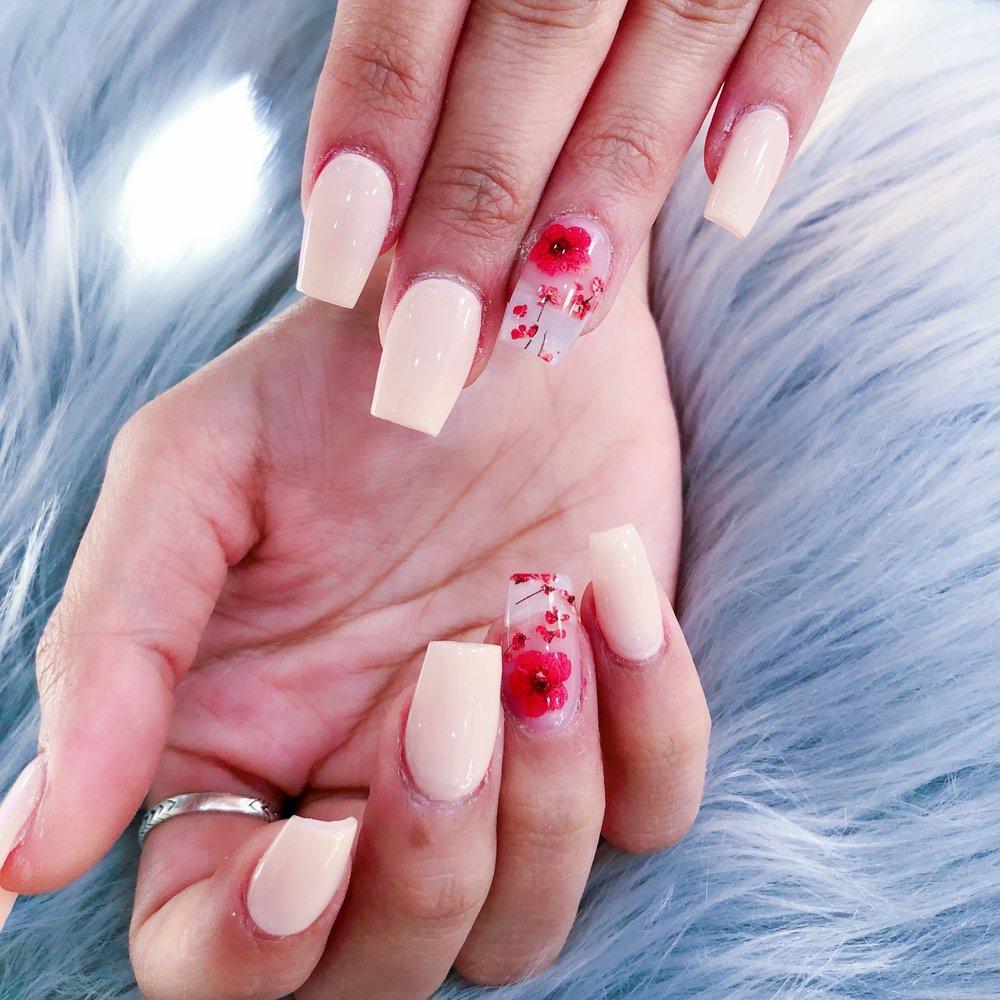Glamour Nails & Spa: 401 W Main St, Lexington, KY