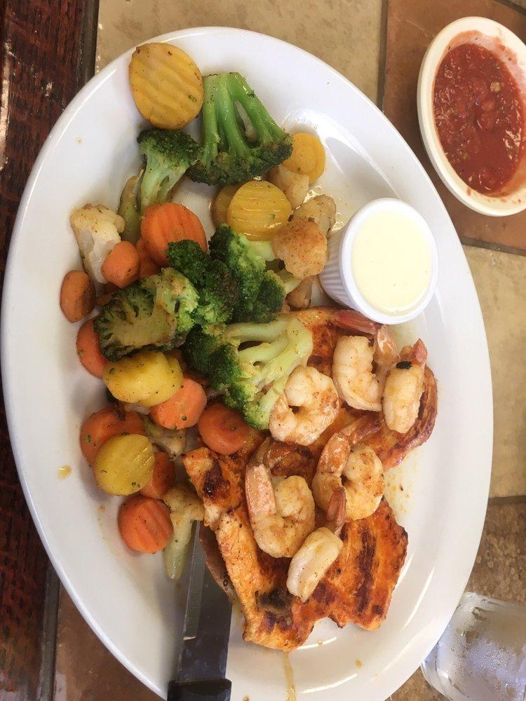 Las Rosa's Wichita Mexican Grill: 1050 W 47th St, Wichita, KS