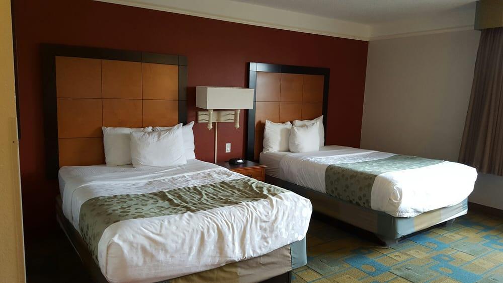 La Quinta Inn & Suites USF: 3701 East Fowler Ave, Tampa, FL