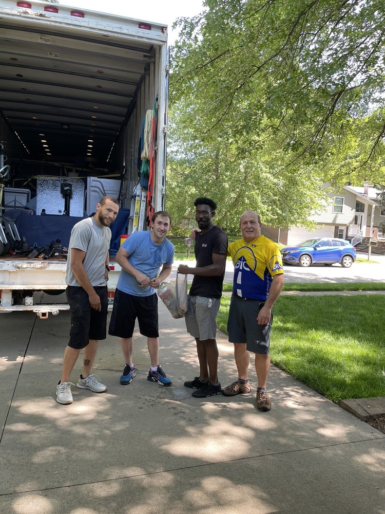 Advance Moving & Storage: 4209 Lloyd Ave SE, Iowa City, IA