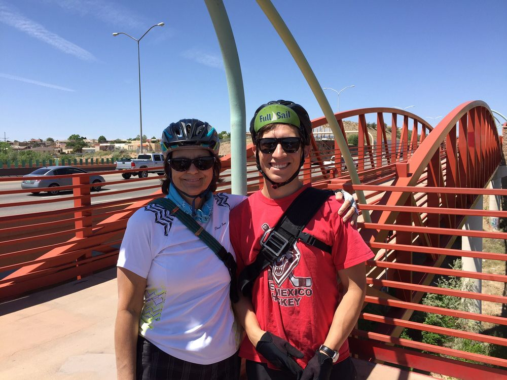 Routes Bicycle Rentals & Tours: 2113 Charlevoix St NW, Albuquerque, NM
