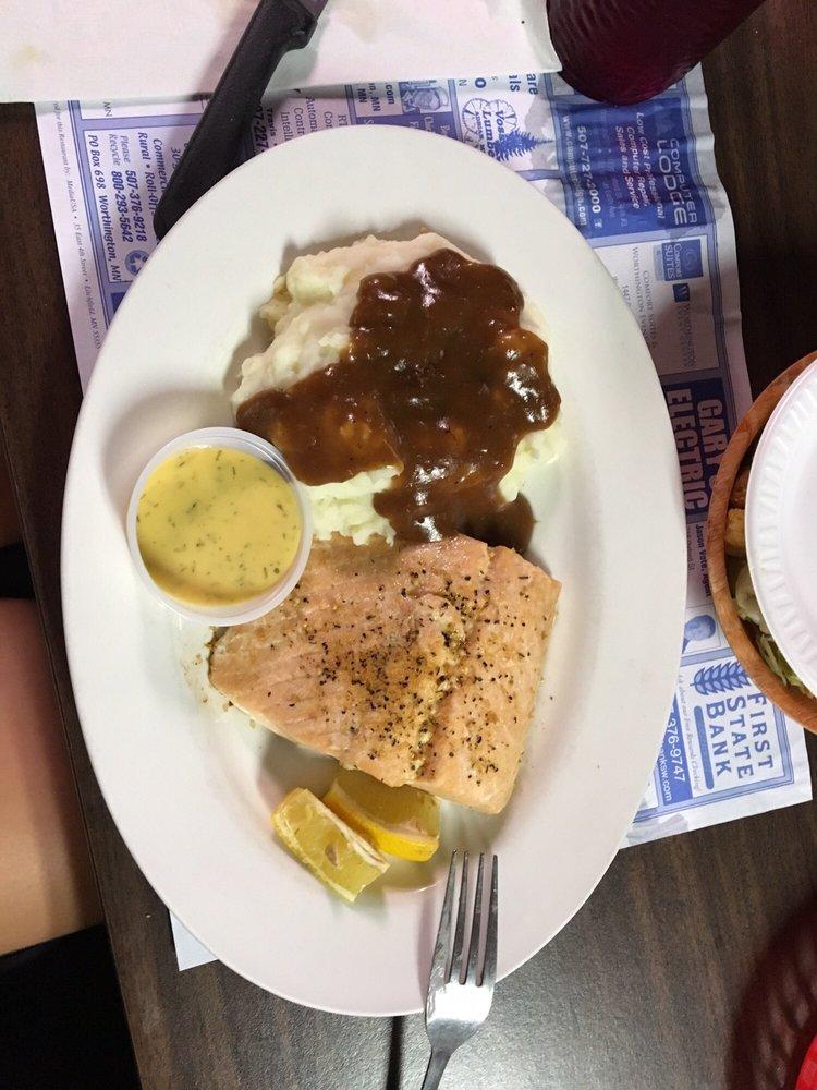 Countryside Inn Steakhouse: 208 N Louisiana Ave, Adrian, MN