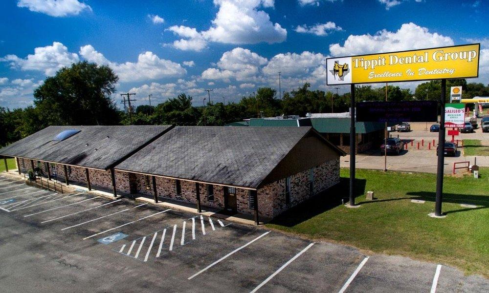 Tippit Dental Group Bellville: 1306 S Front St, Bellville, TX