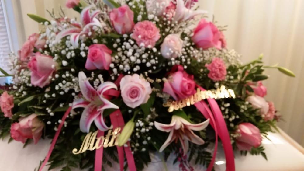 Kohler's Flowers: 5137 N US Hwy 23, Oscoda, MI