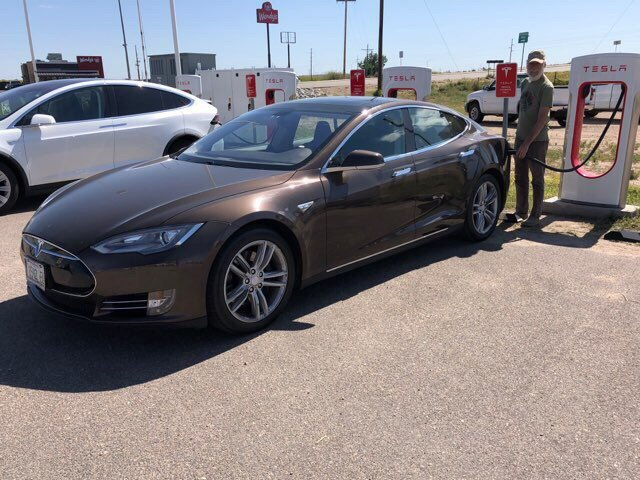 Tesla Supercharger: 1156 CO-71, Brush, CO