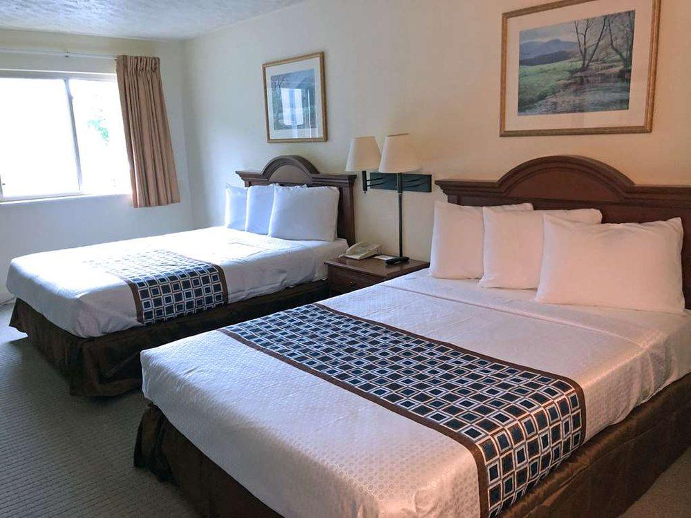 Americas Best Value Inn & Suites Independence VA: 155 Rainbow Circle, Independence, VA