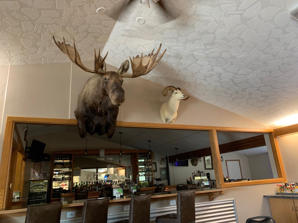 Trophy Lodge: 1420 Alaska Hwy, Delta Junction, AK