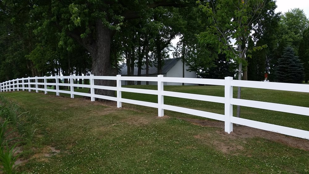 Behl Fence & Decking: N1223A Scofield Rd, Watertown, WI
