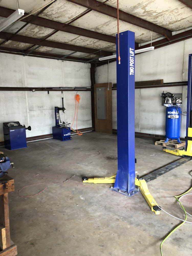 A&S Auto Repair & Tire Shop: 914 Saraland Blvd, Saraland, AL