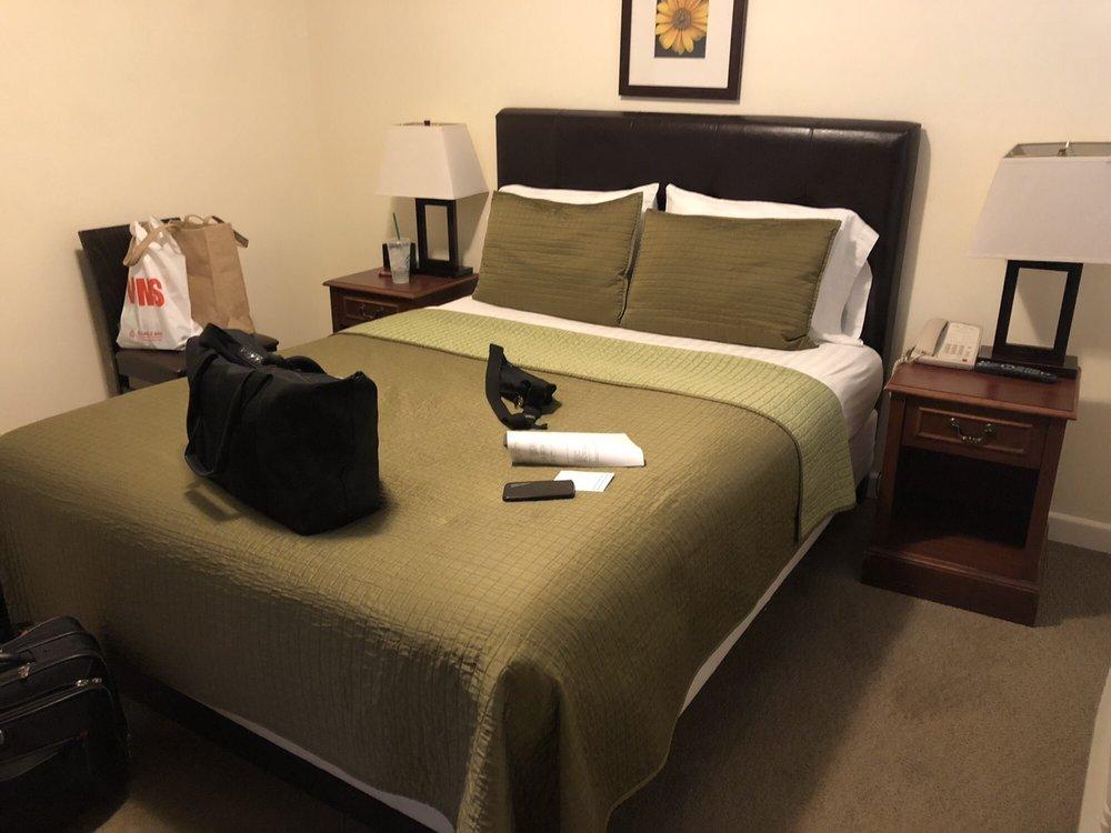 Bella Capri Inn & Suites: 2050 E Ventura Blvd, Camarillo, CA